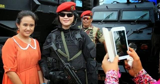 indonesian free press anggota cantik pasukan elite